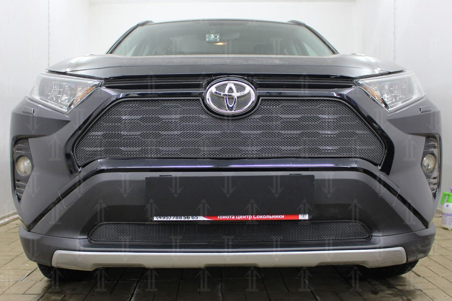 Защита радиатора Toyota Rav4 2019- black низ