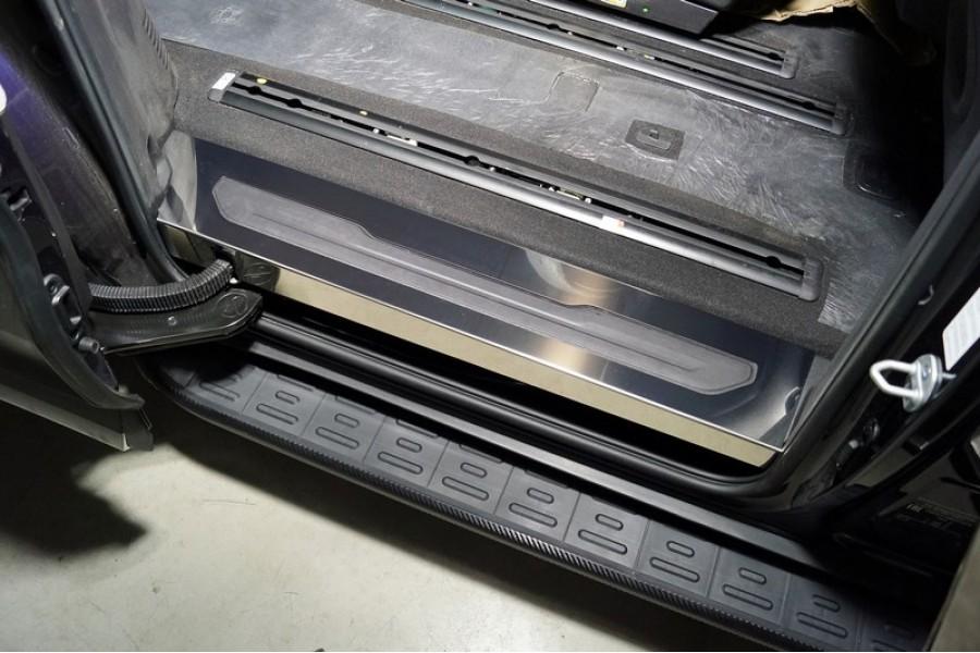 Накладки на пластиковые пороги задние (лист зеркальный) 2 шт