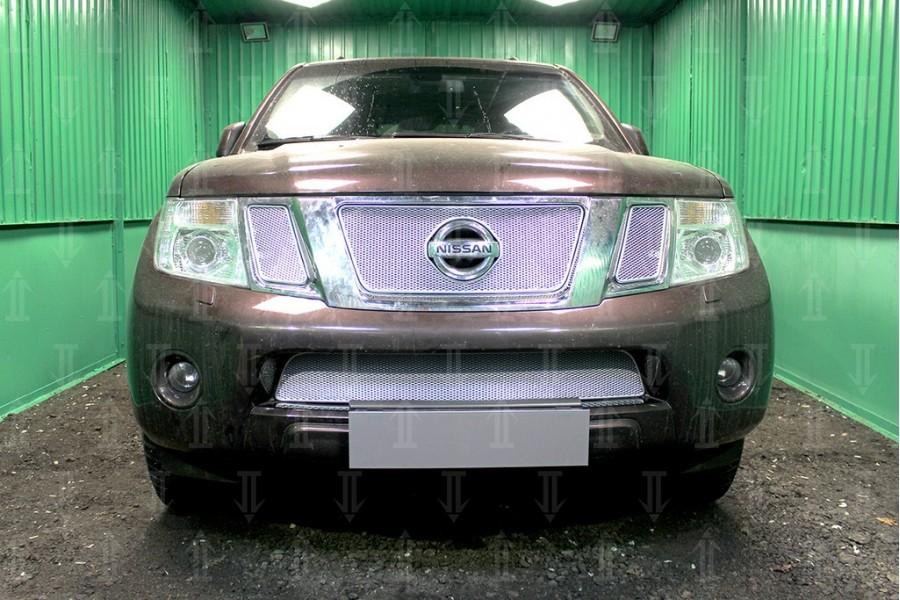Защита радиатора Nissan NAVARA 2011-2012 chrome верх PREMIUM