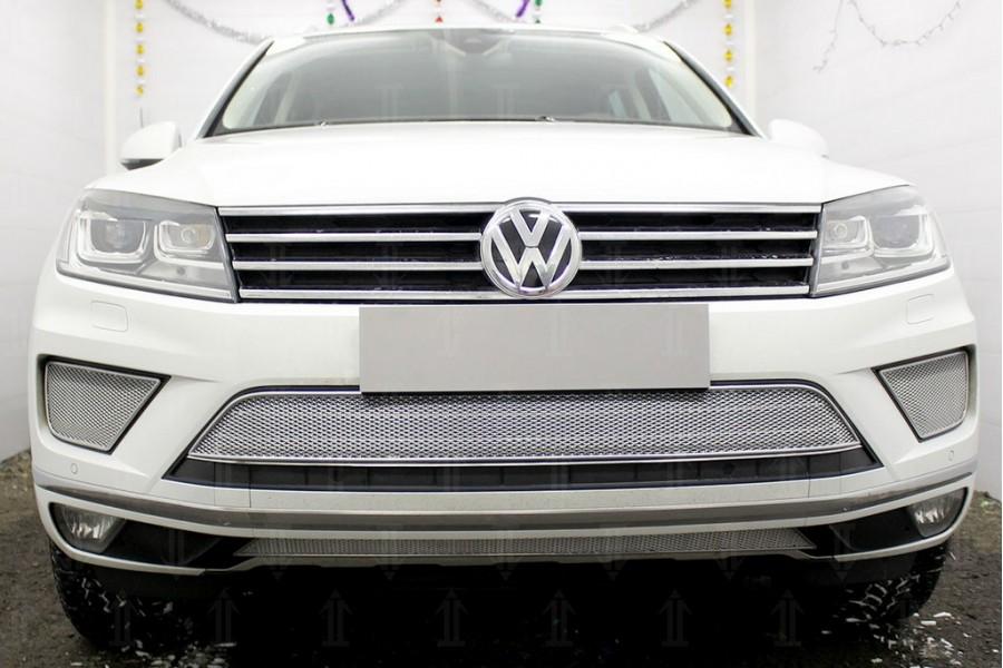 Защита радиатора Volkswagen Touareg II 2014-2018 chrome центральная PREMIUM (кроме R-Line)