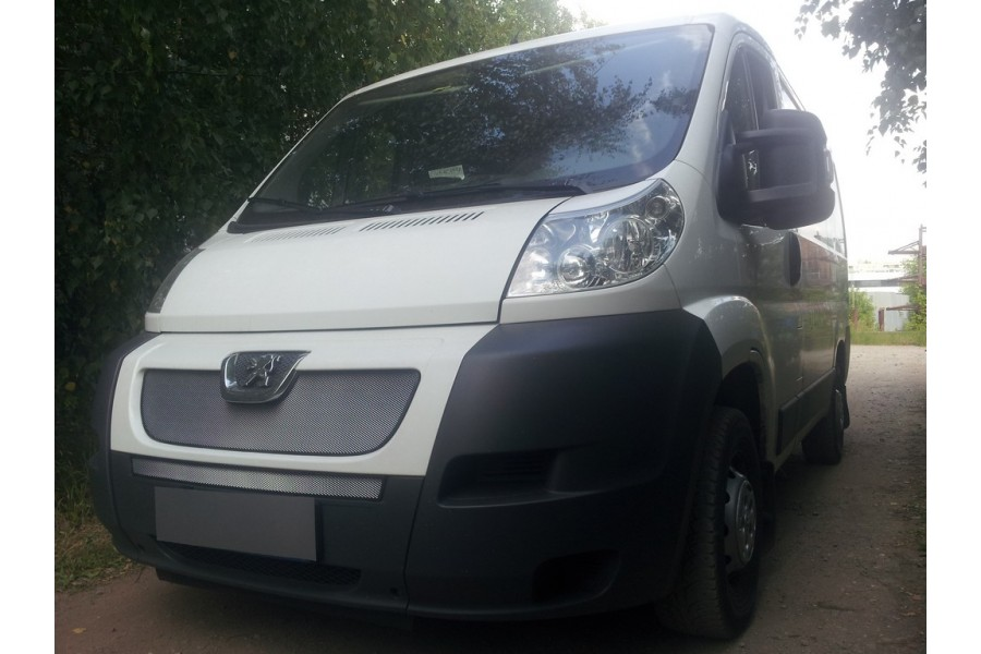 Защита радиатора Peugeot Boxer 2006-2014 chrome середина