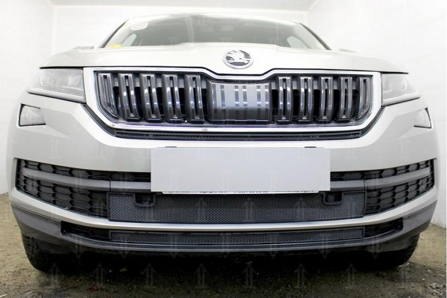 Защита радиатора Skoda Kodiaq 2016- black низ с парктроником (2 части)