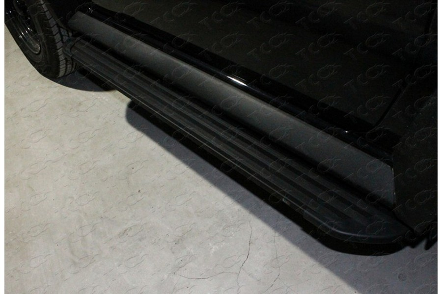 Пороги алюминиевые ''Slim line Black'' 1350 мм