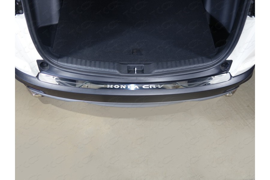 Накладка на задний бампер (лист зеркальный надпись Honda CR-V)