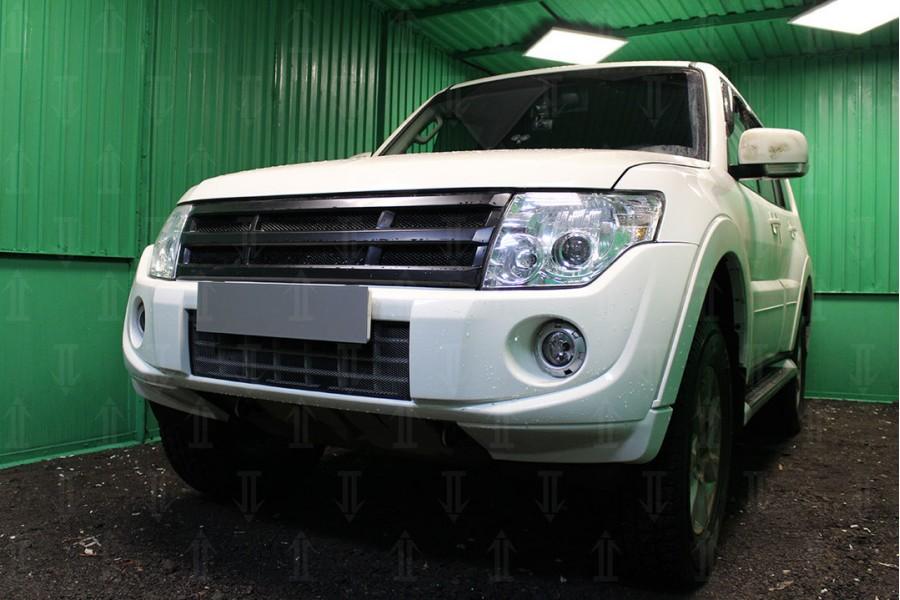 Защита радиатора Mitsubishi Pajero IV 2011-2014 black