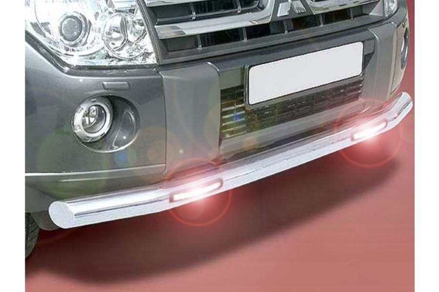 Защита передняя одинарная d76  с дневными ходовыми огнями  Mitsubishi Pajero IV 2011-