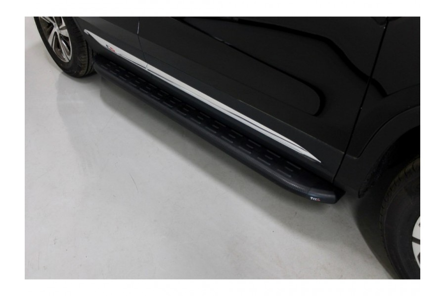 Пороги алюминиевые с пластиковой накладкой (карбон черные) 1720 мм (серебристая)
