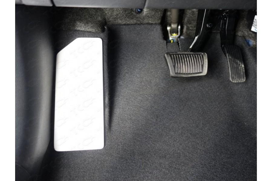 Накладка площадки левой ноги (лист алюминий)
