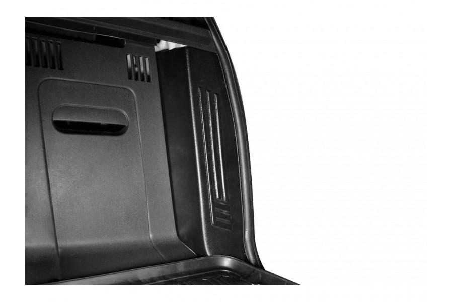Внутренняя облицовка задних фонарей (ABS)
