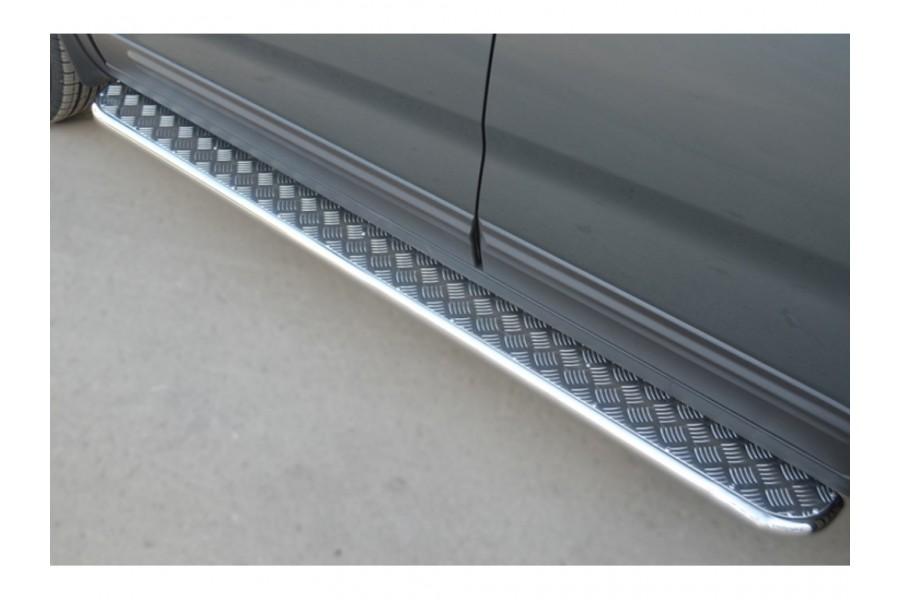 KIA Sorento 2012- KIA Sorento 2012- Пороги трубаd42 с нержавеющим листомKIL-0012673