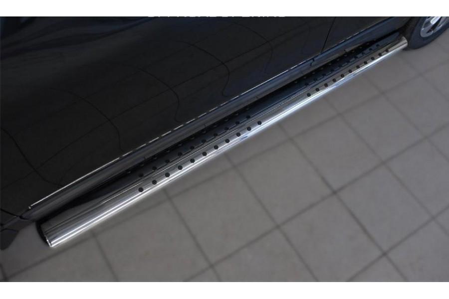 Nissan X-Trail 2015 Пороги труба 120х60 овал с проступью