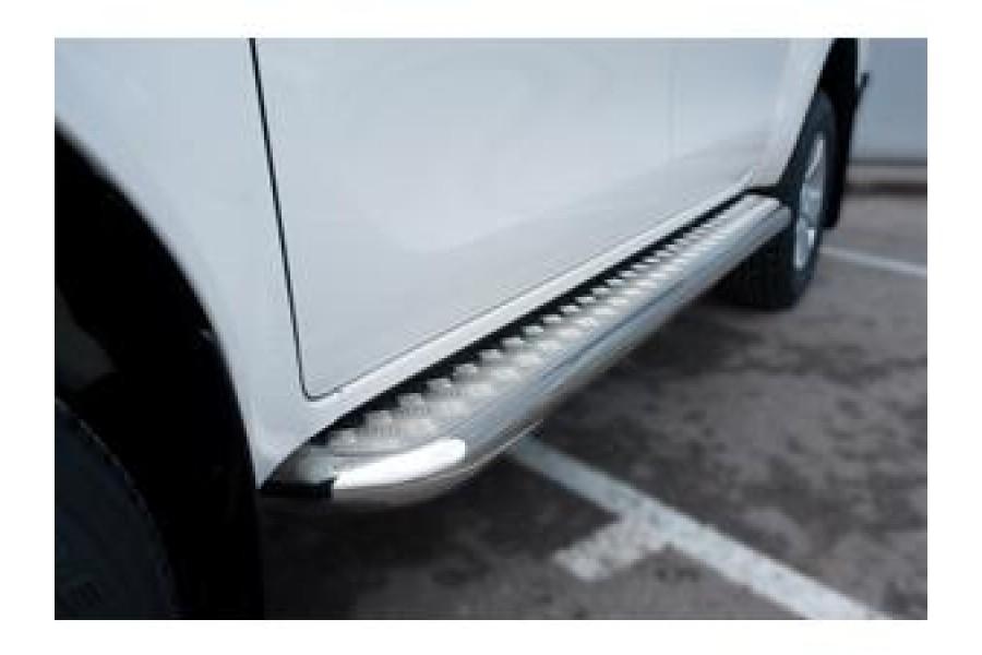 Toyota Hilux 2015 Пороги труба d63 с листом (вариант 1)