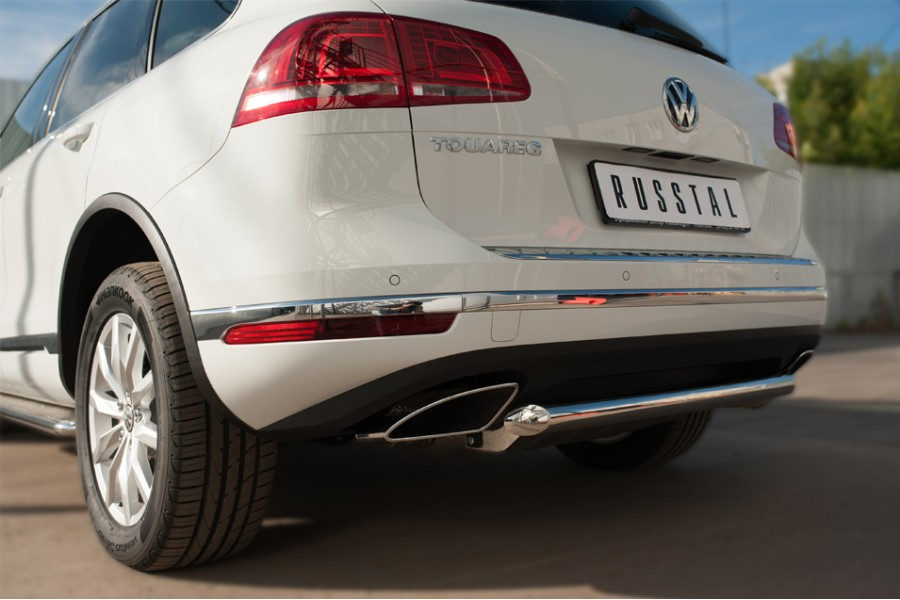 VolksWagen Touareg 2014- Защита заднего бампера d63 (дуга)