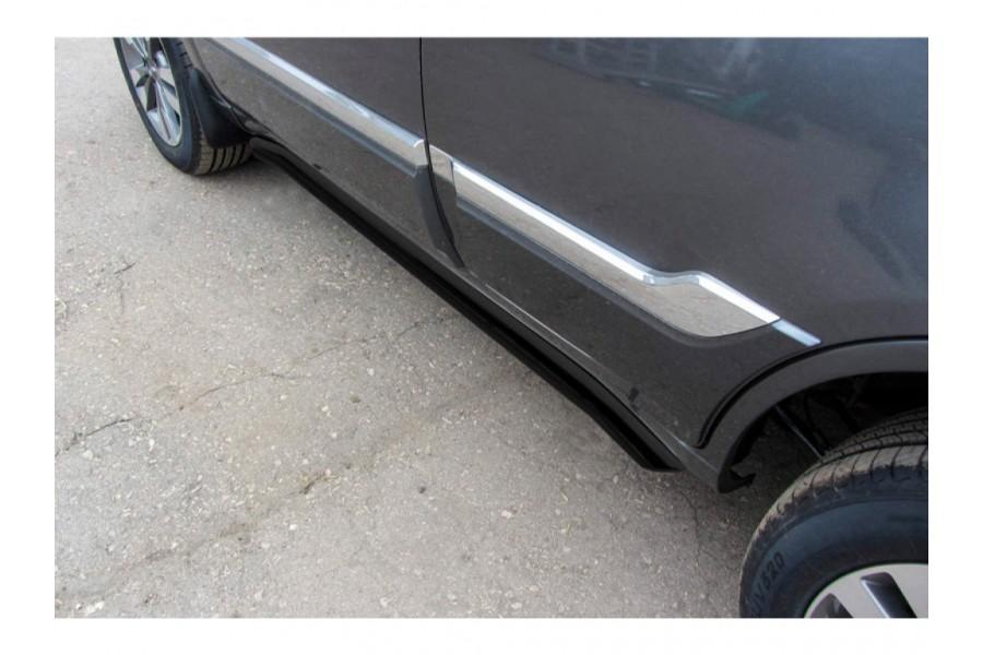 Защита порогов d57с гибами (черное или серебристое покрытие)