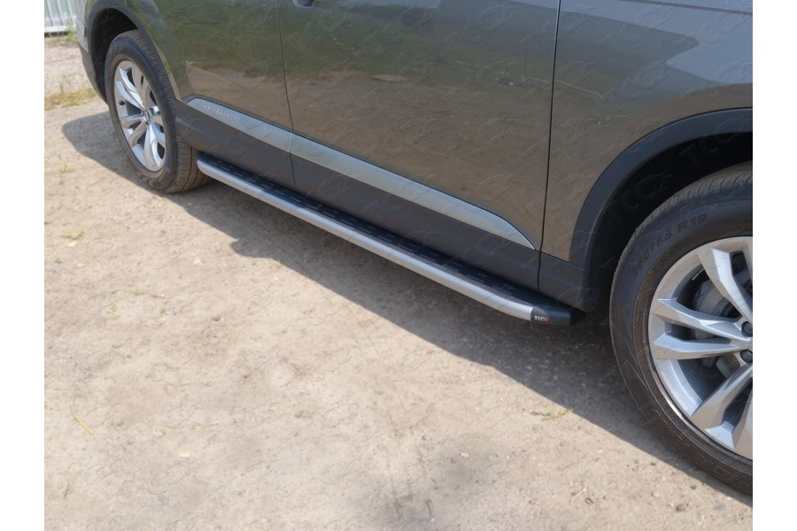Пороги алюминиевые с пластиковой накладкой (карбон серебро) 2020 мм