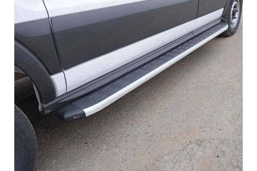 Порог алюминиевый с пластиковой накладкой 2220 мм