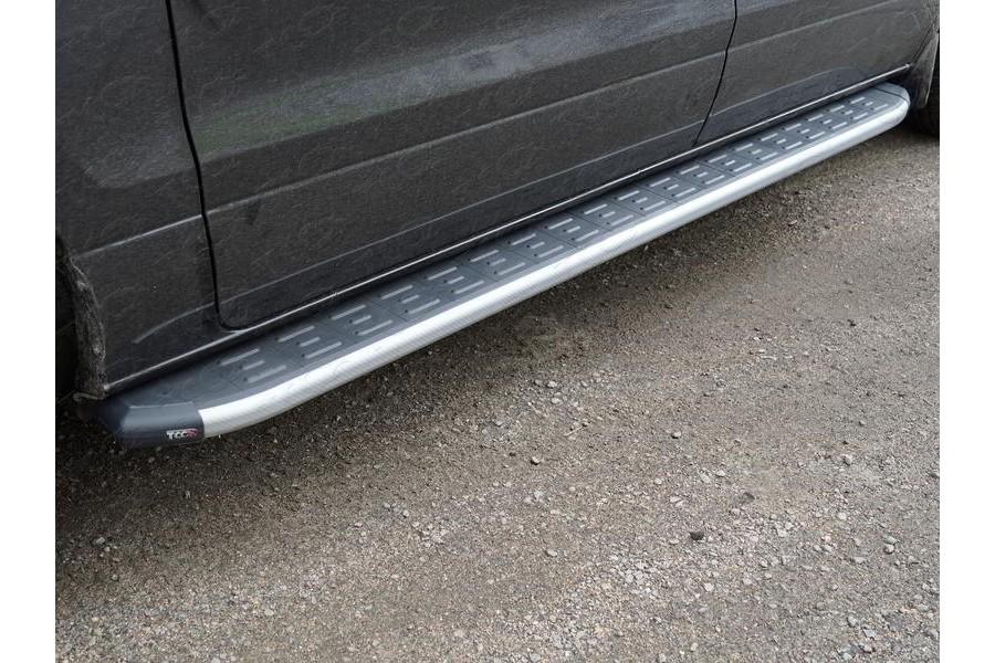 Пороги алюминиевые с пластиковой накладкой (карбон серые) 2220 мм
