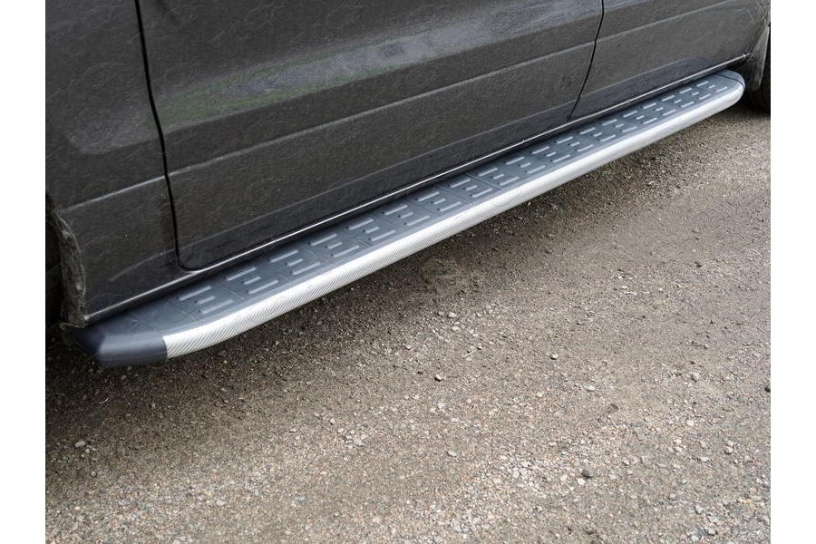 Пороги алюминиевые с пластиковой накладкой (карбон серебро) 2220 мм