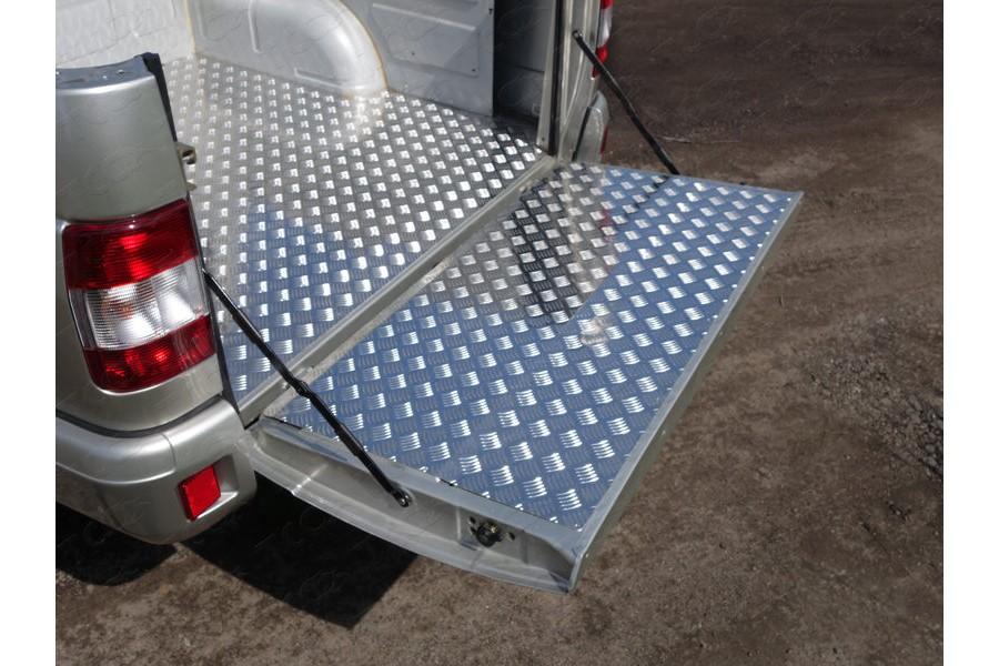 Защитный алюминиевый вкладыш в кузов автомобиля (борт)