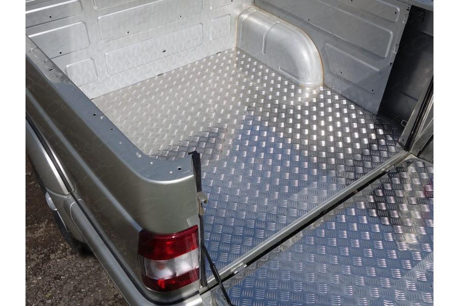 Защитный алюминиевый вкладыш в кузов автомобиля (дно)